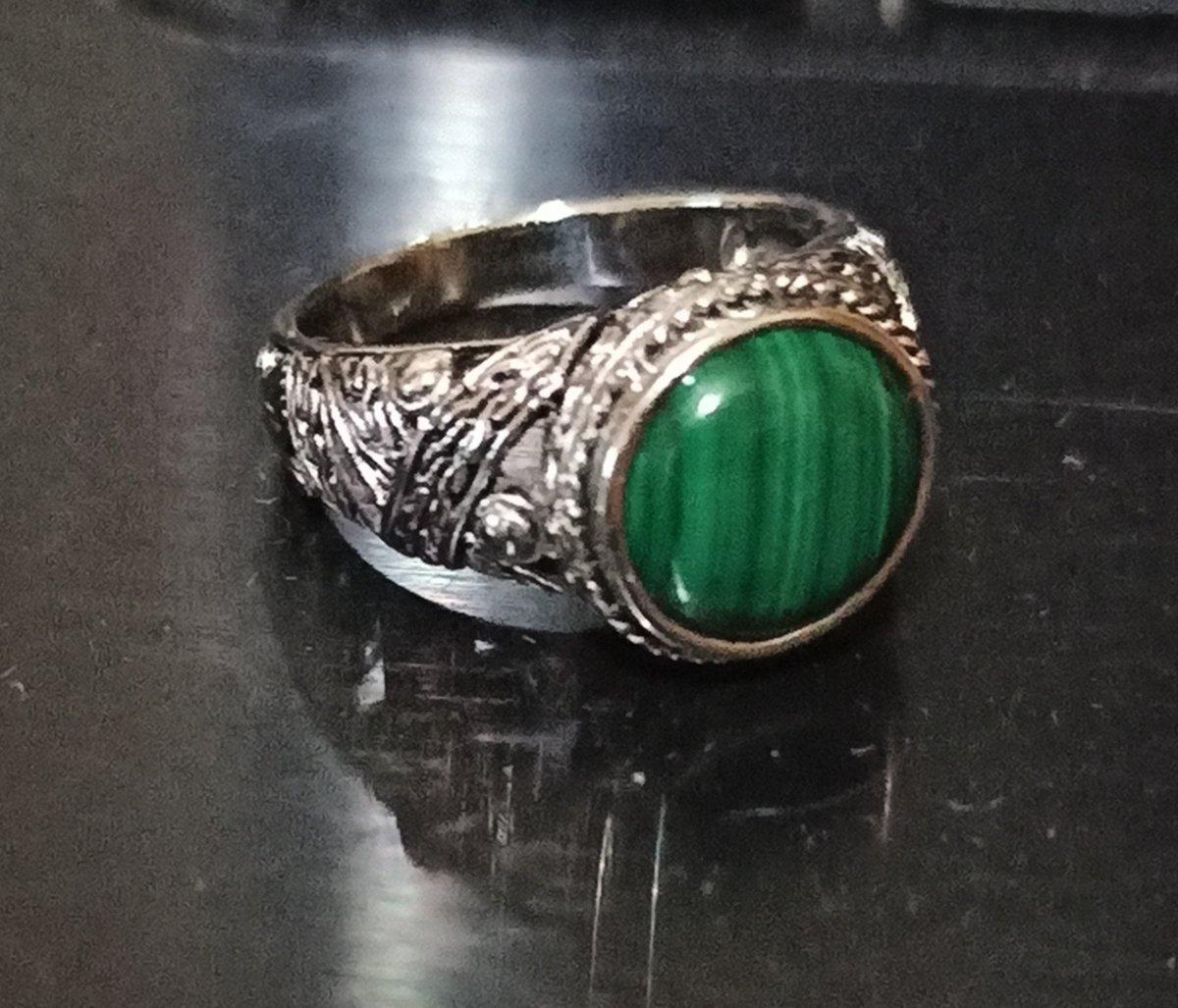 Кольцо с малахитом.