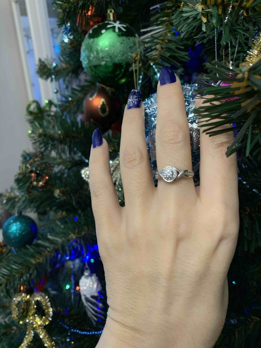 Кольцо в подарок !