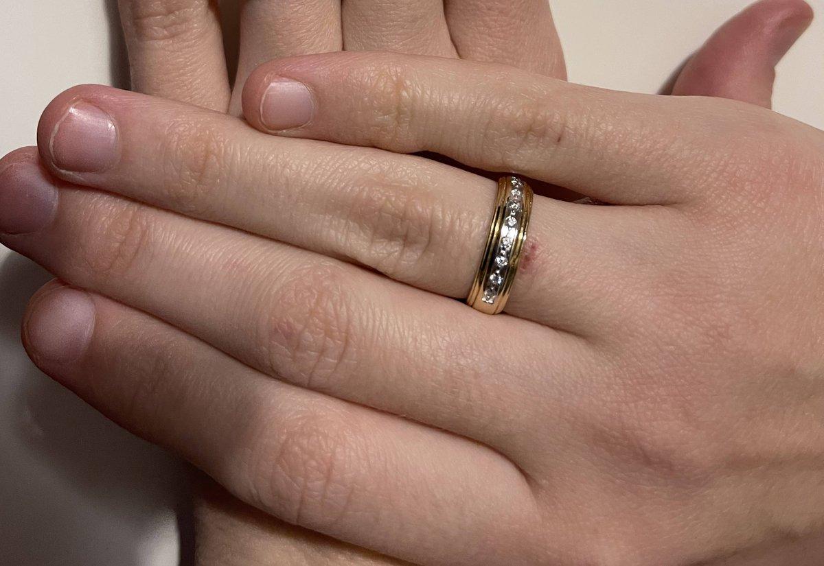 Красивое на вид и на ощупь кольцо