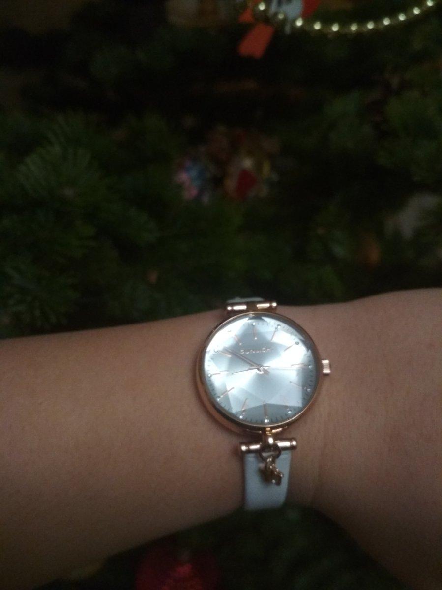 Часы золотые для девушки