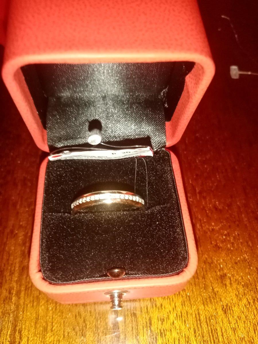 Брелиантовое кольцо
