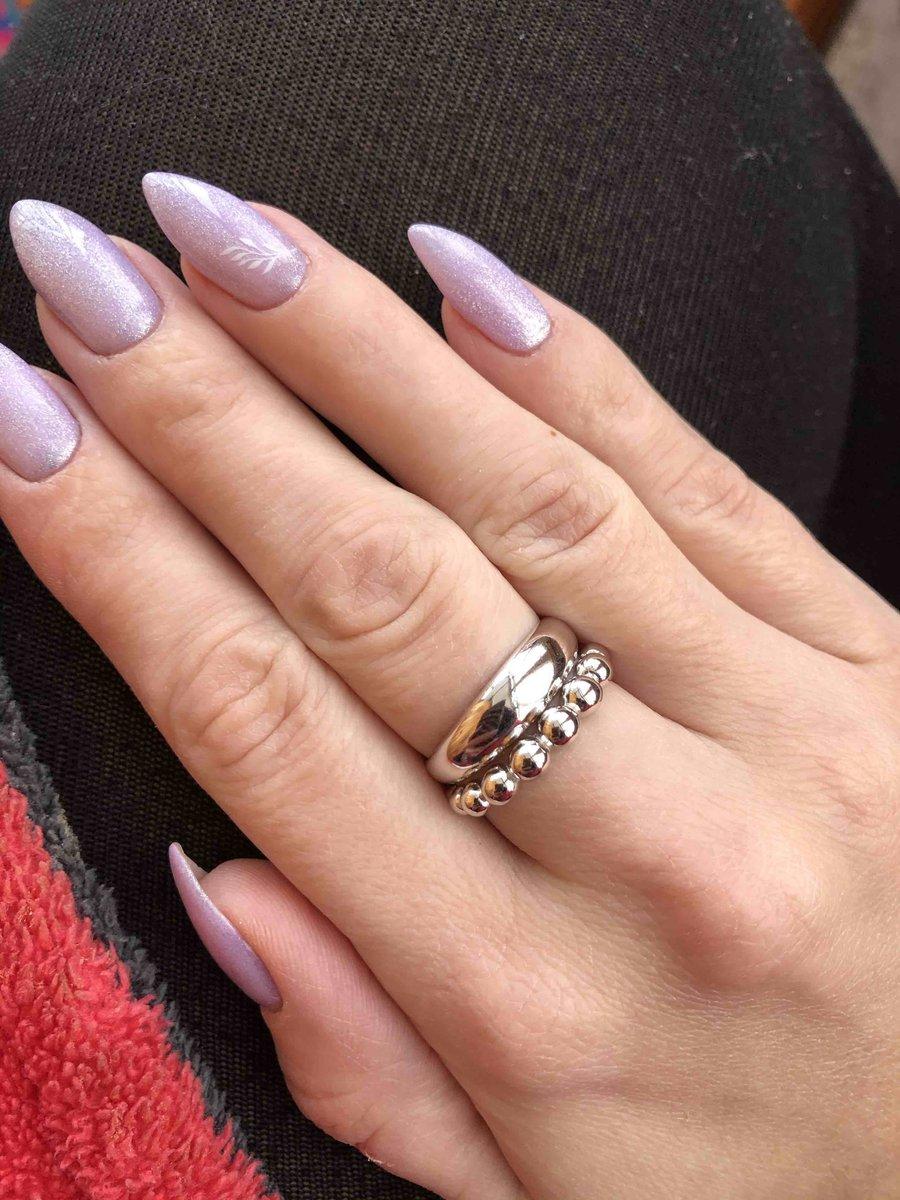 Красиво классическое кольцо.