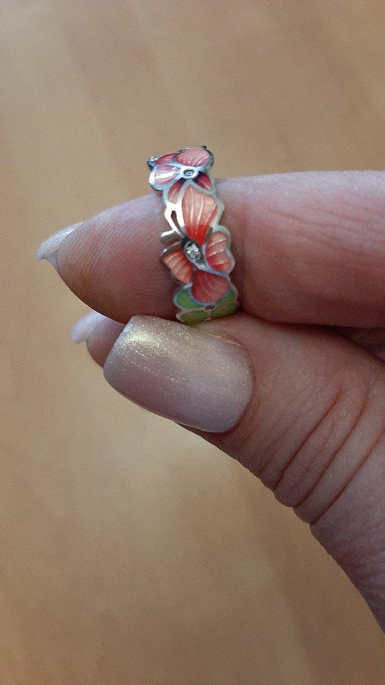 Кольцо симпатичное.