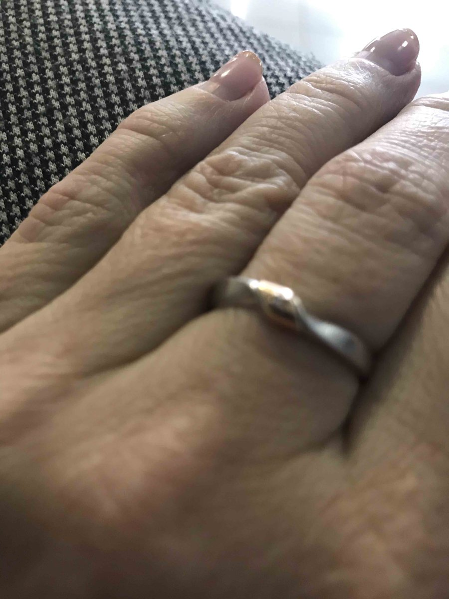 Кольцо серебрянное с золотой вставкой и бриллиантиком