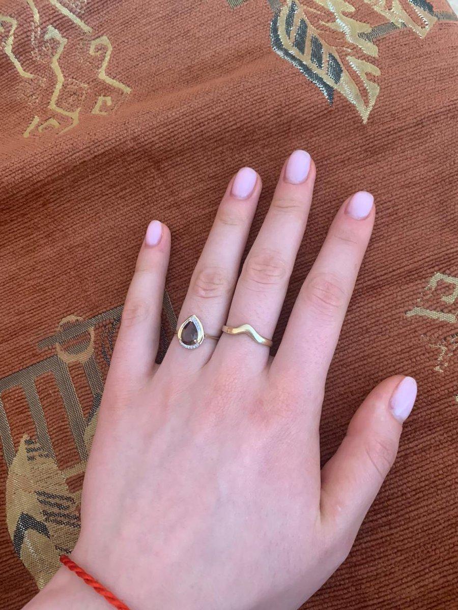 Кольцо с раухтопазом и бриллиантами.
