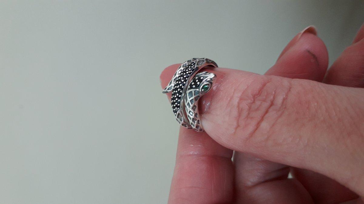 Кольцо змейка с фианитами