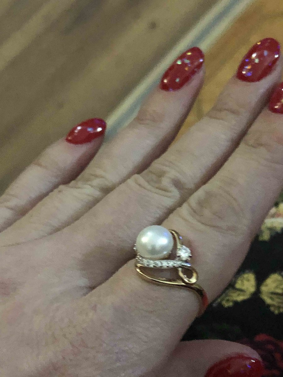 Шикарное кольцо получила в подарок