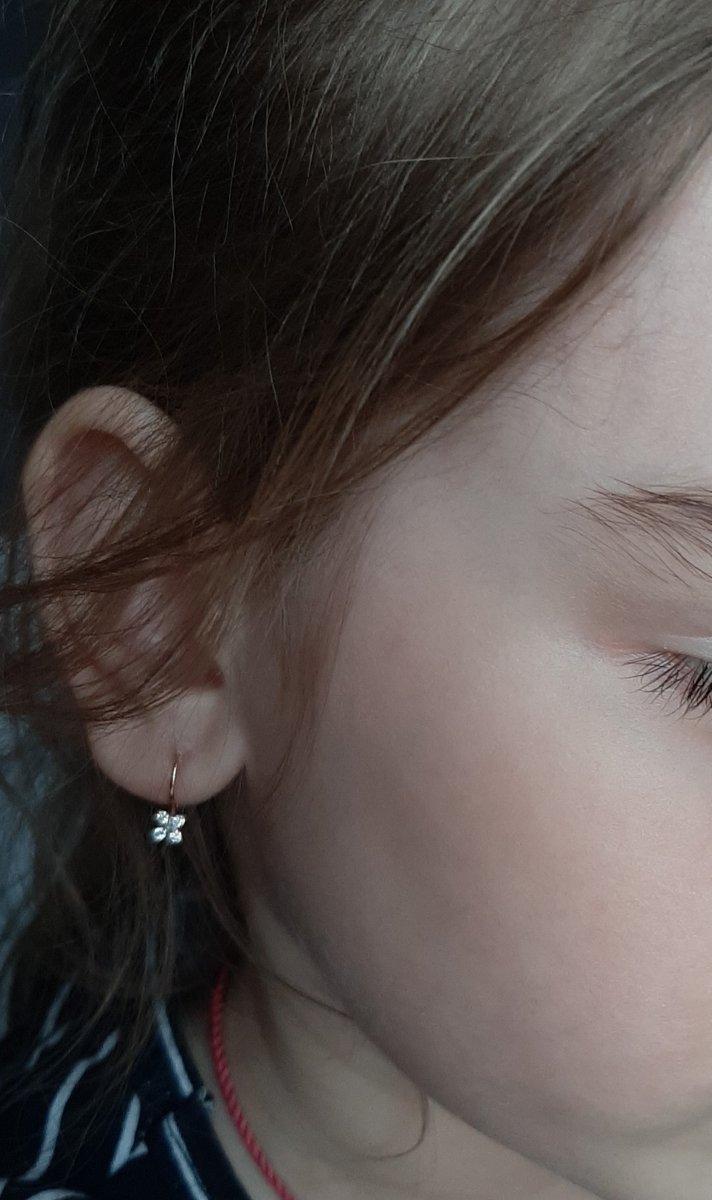 Миниатюрные,нежные сережки для девочки