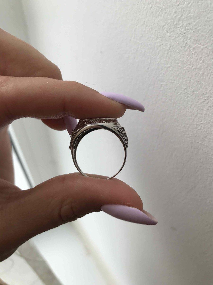 Подарочное кольцо серебряное с фиантитами