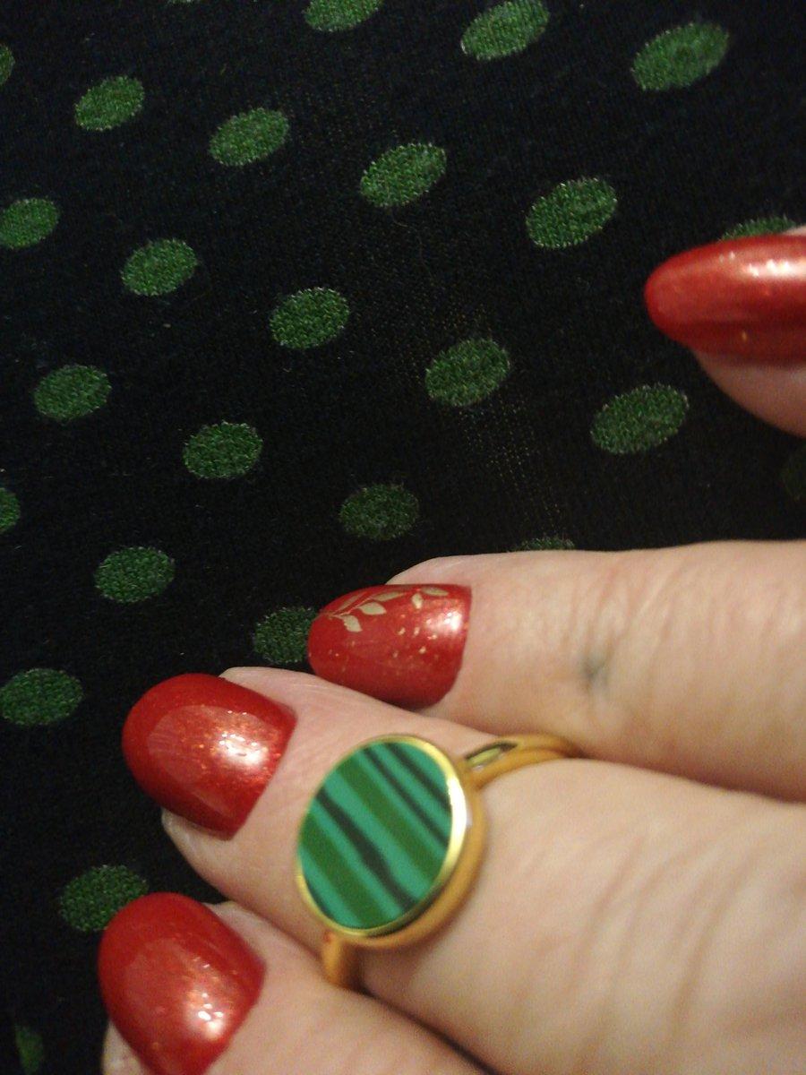 Кольцо с малпхитом