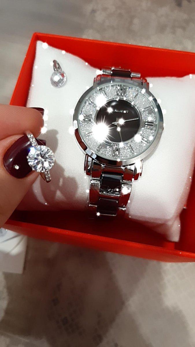 Кольцо очень красивое !