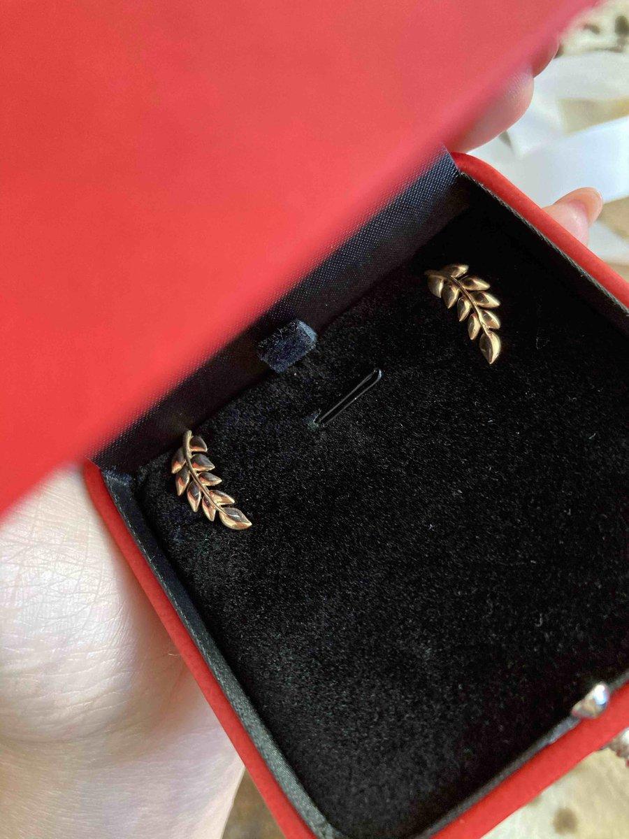 Золотая листва в подарок племяннице, чтобы лето всегда было с ней:)
