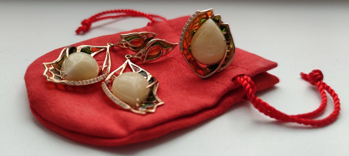 Комплект с эмалью и янтарëм
