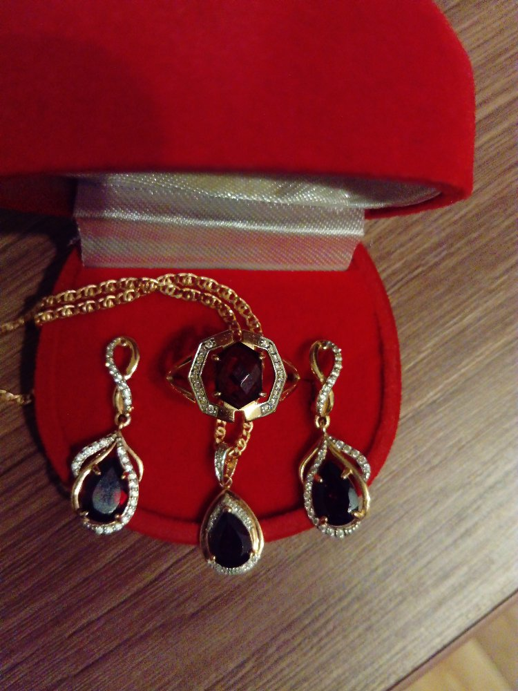 Гранат с бриллиантами