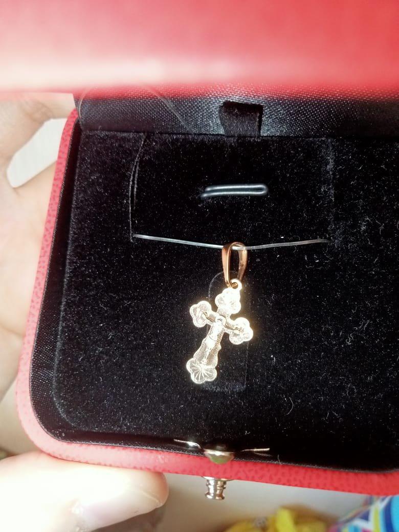Красивый и миниатюрный крестик, покупала для ребёнка для крестин.