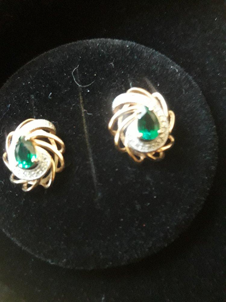 Золотые серьги с изумрудами и бриллиантами. серия 200014260735. арт. 68480.