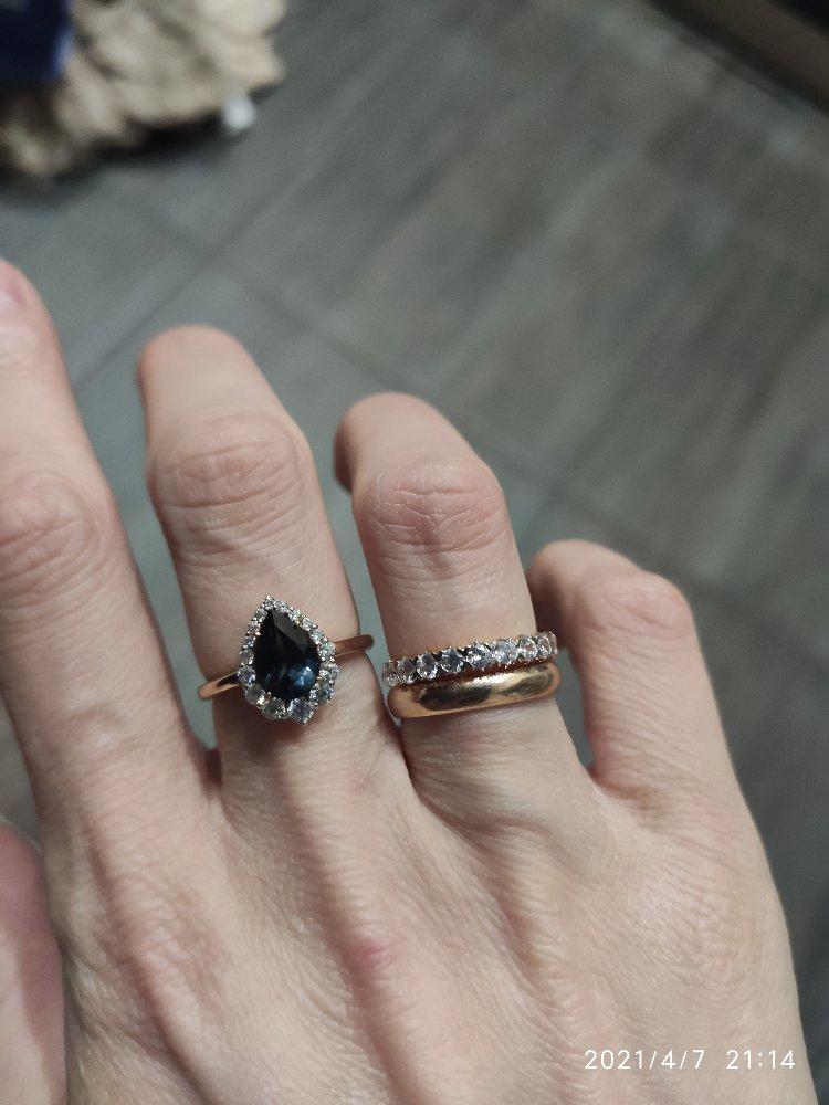 Нежное кольцо с лондон-топазом