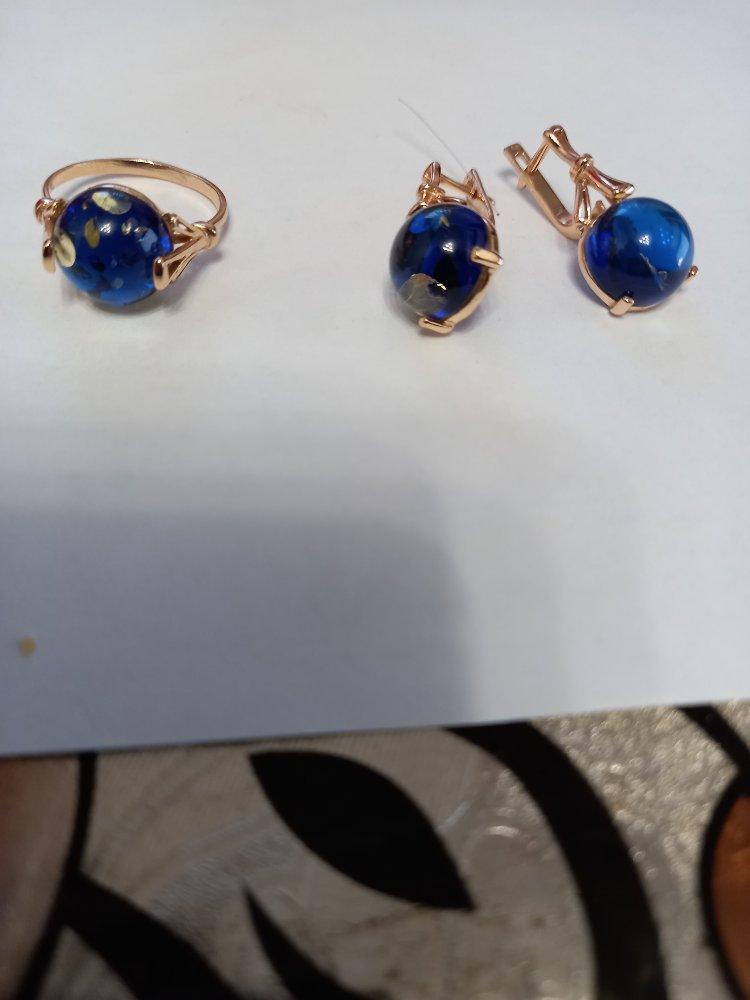Кольцо и серьги из янтаря
