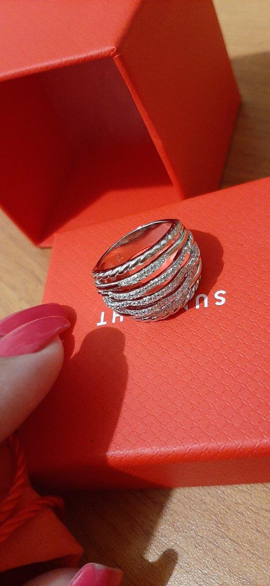 Серебренное колцо с фианитами, просто бомба, блестити очень шикарное