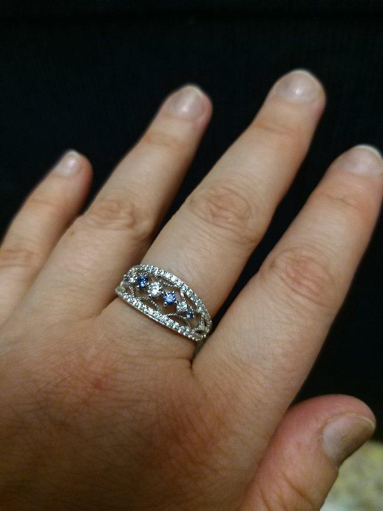 Очень красивое и необычное  кольцо.