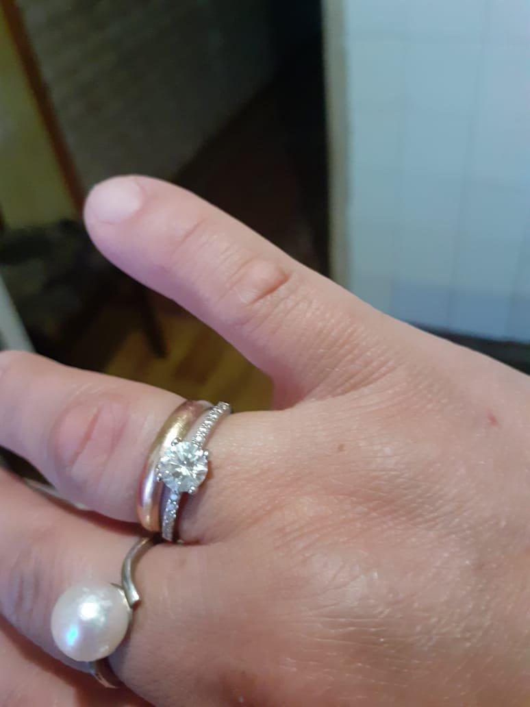 Серьги висячие 2шт кольцо 1шт купили сегодня