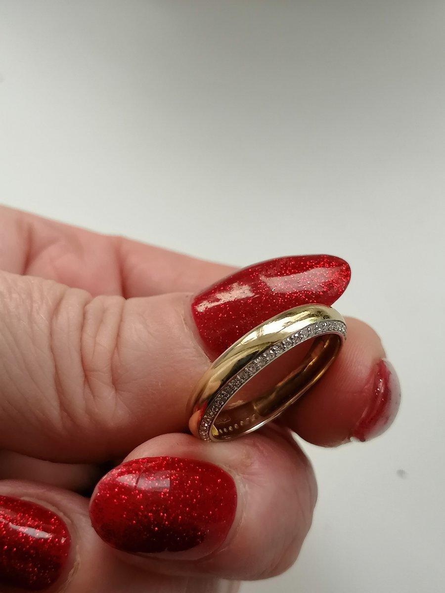 Обручальном кольцо