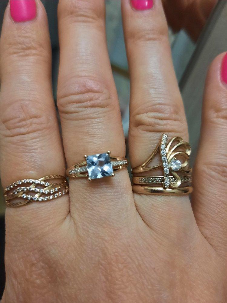 Кольцо розовое золото с 12 бриллиантами и топаз. размер 17.