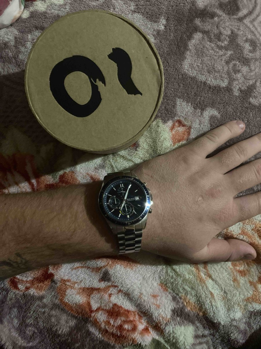 Очень класные надежные ,водонепронецаемые ,качественые часы всем советую