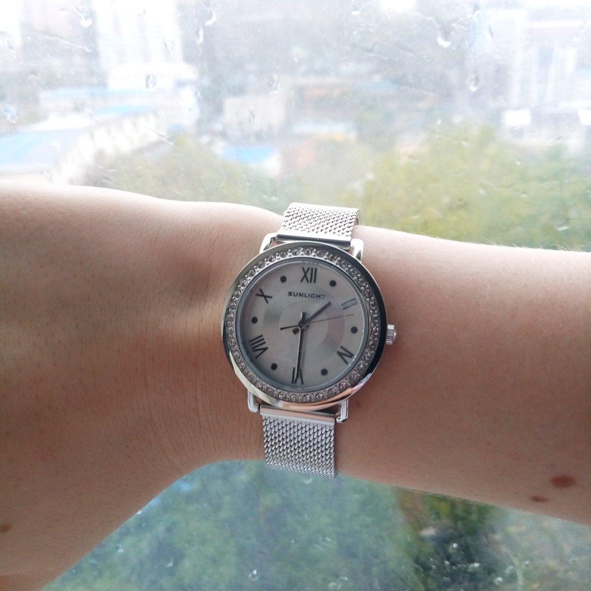 Очень красивые часы, выглядят изящно