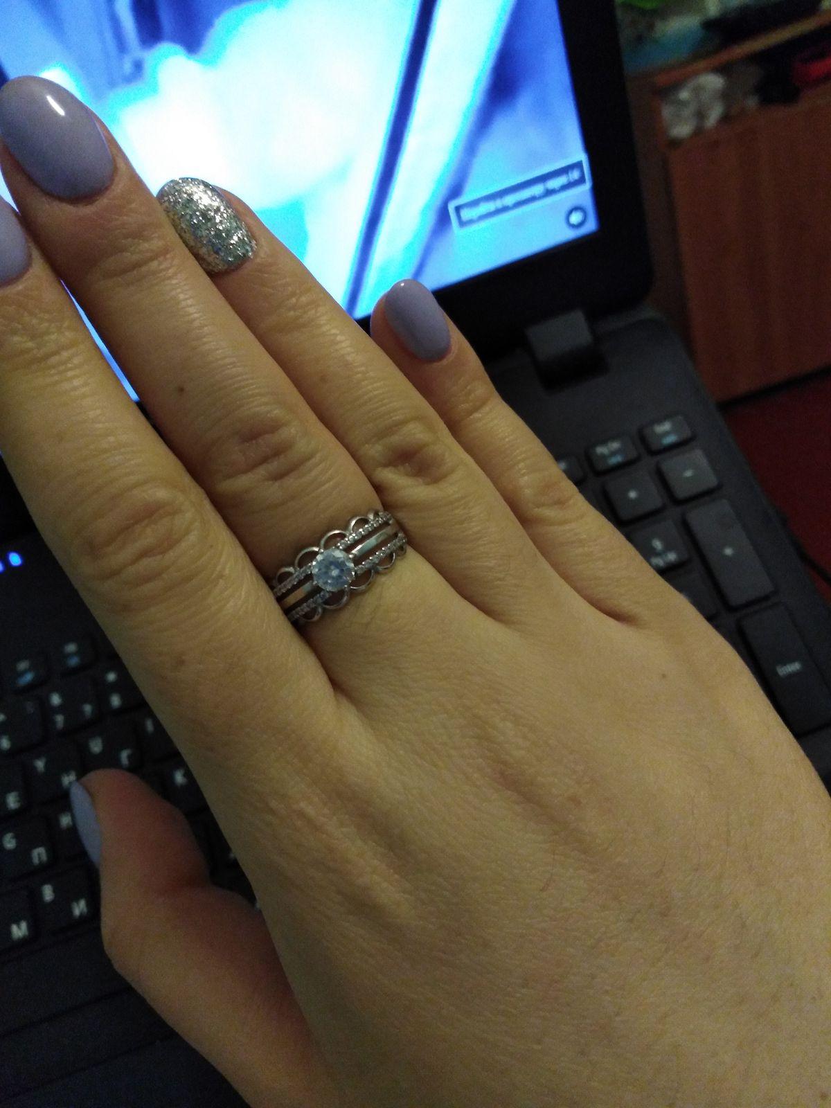 Купила кольцо себе в радость и очень довольна своей покупкой. Спасибо