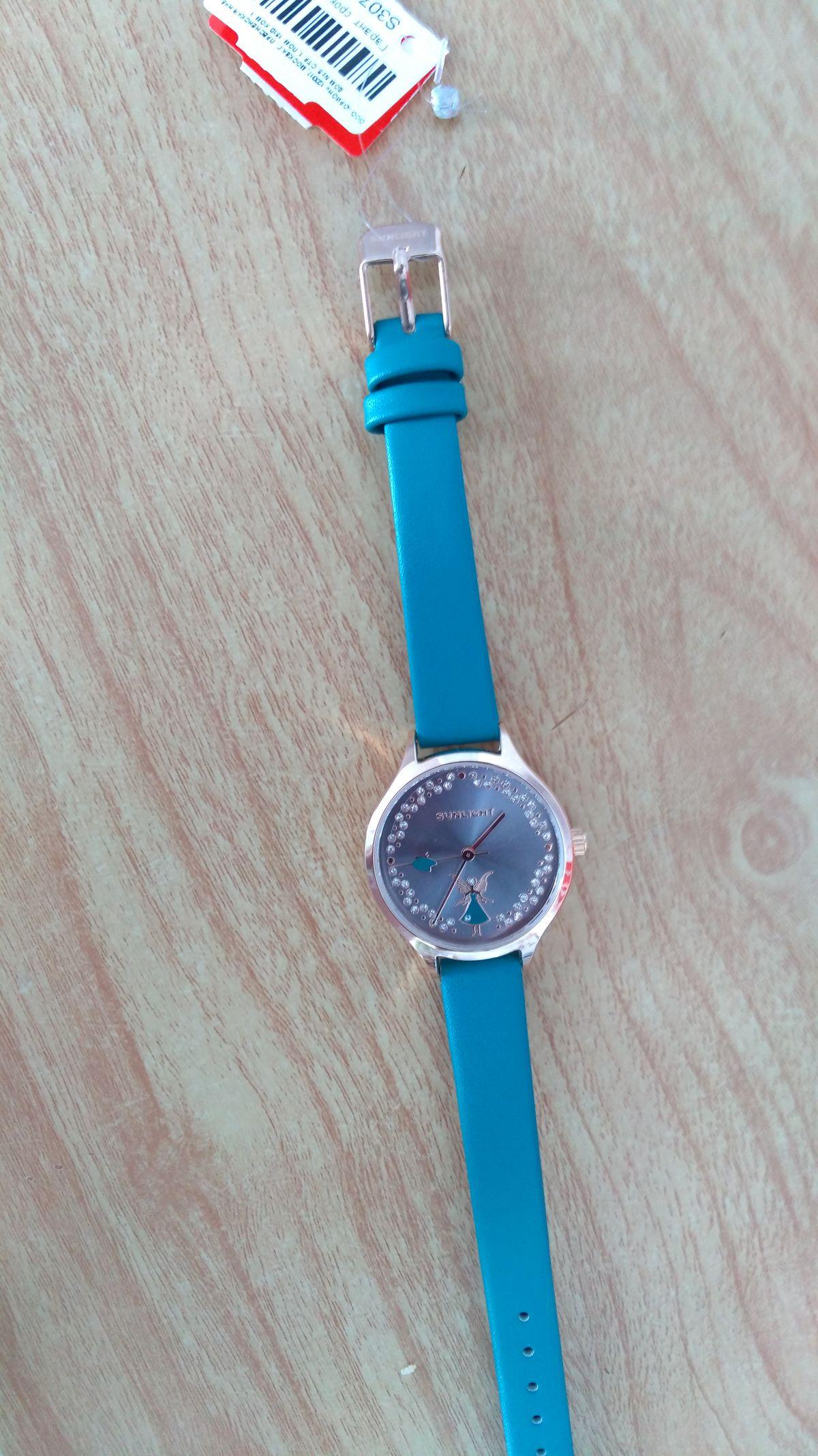 Купила часы по акции 60% скидка.