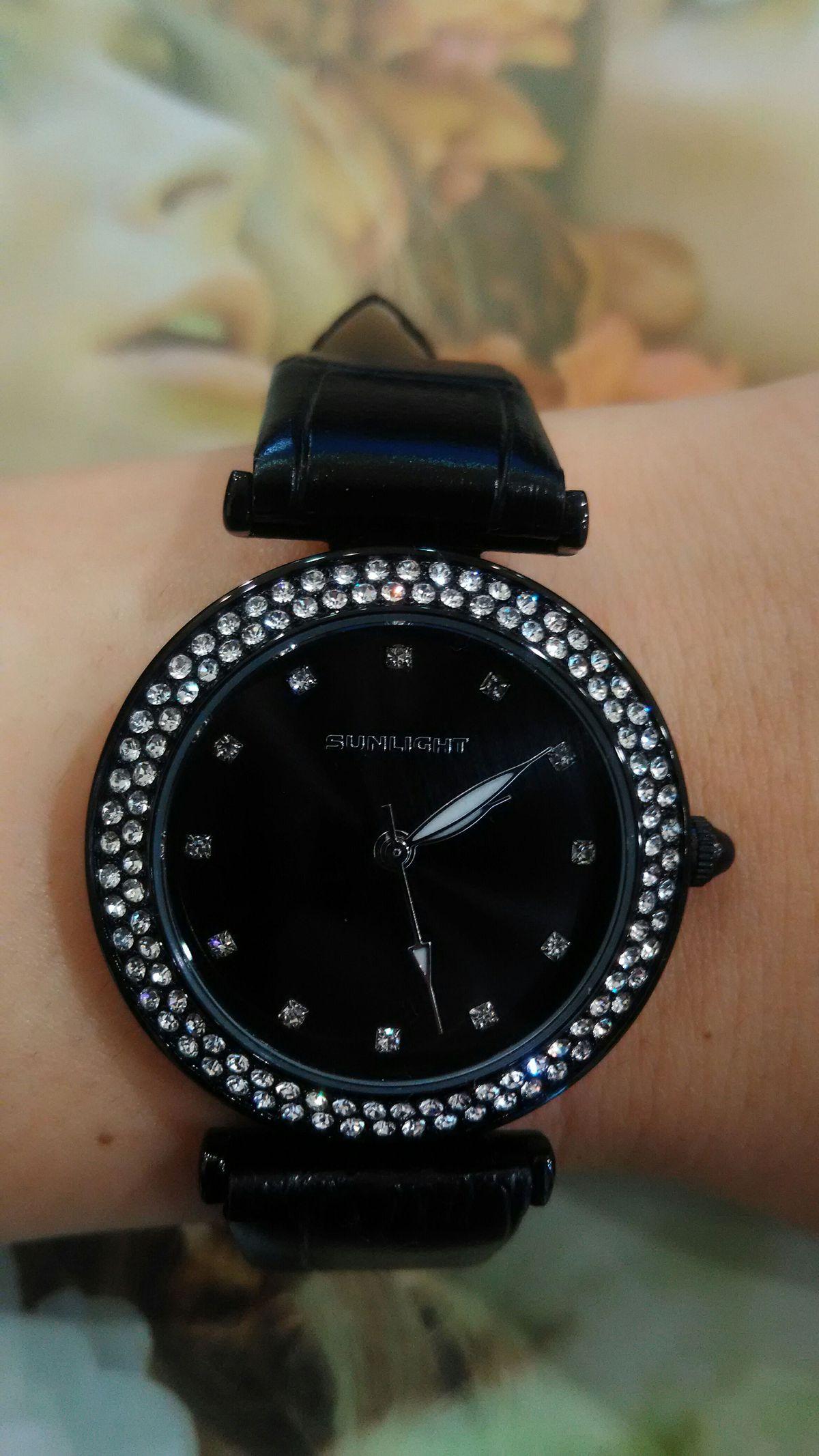 Часы - любимый аксессуар.