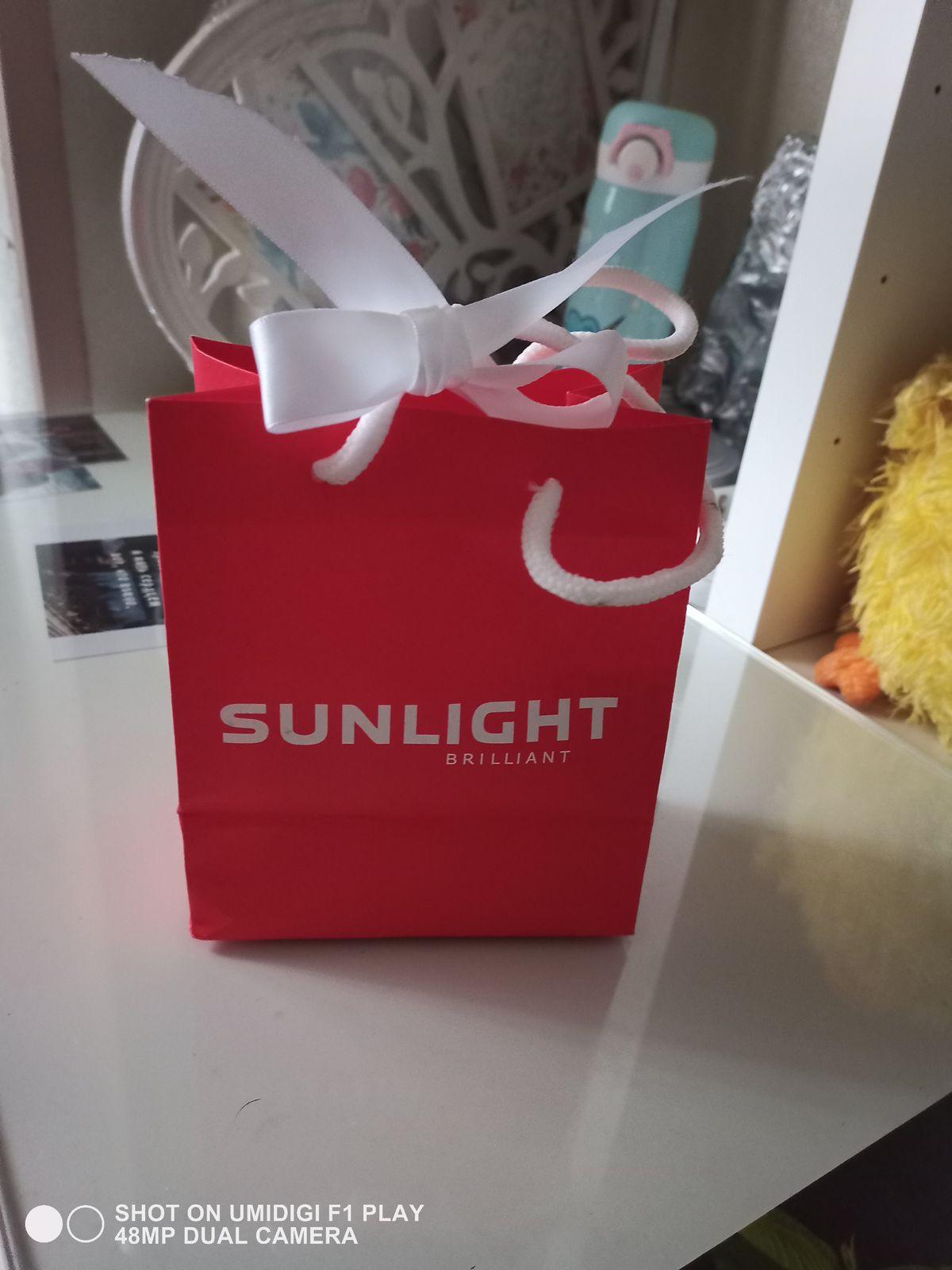 Купив такую коробочку можно не мучиться с выбором как оформить подарок!