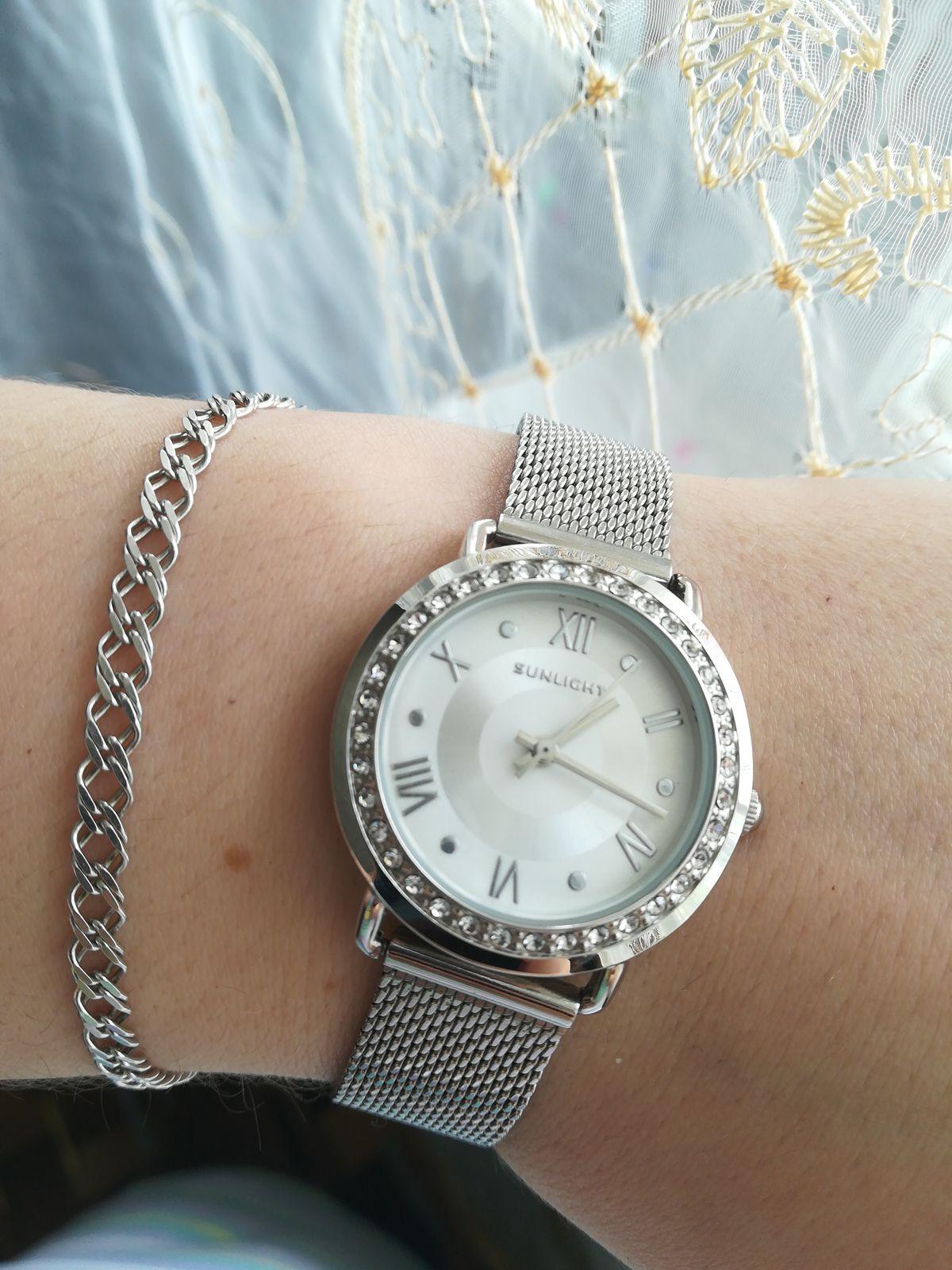 Обожаю серебро и все изделия под цвет серебра, давно мечтала о таких часах!