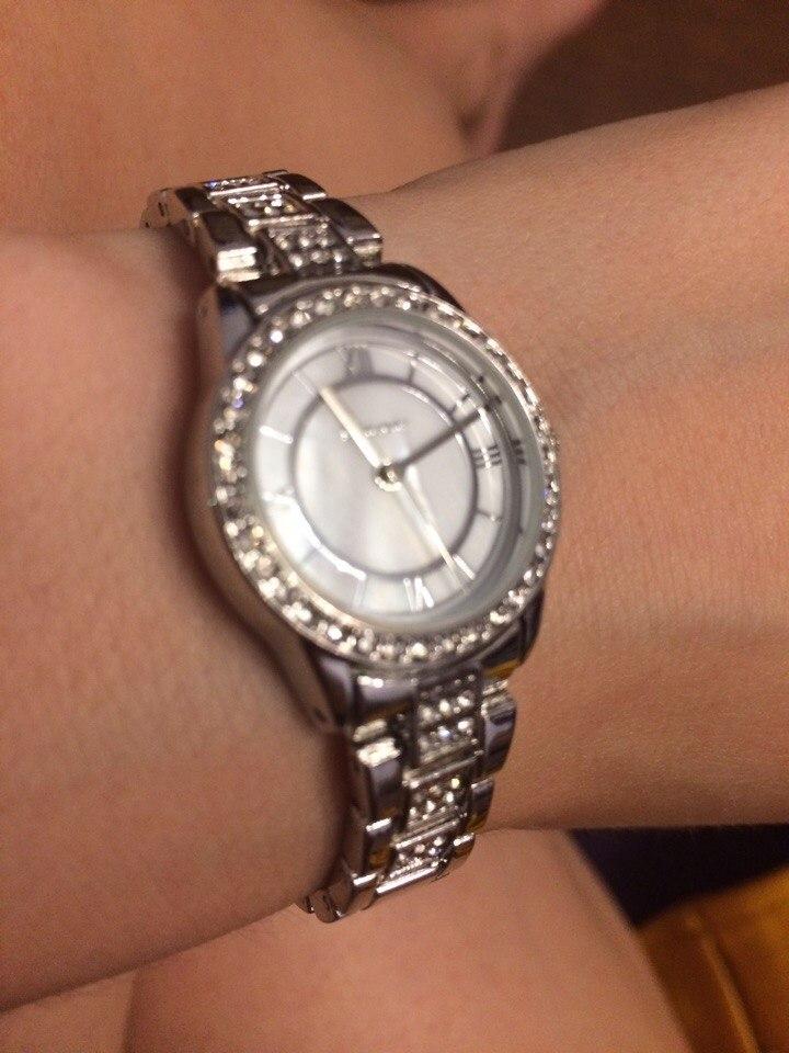 Красивые часы, смотрятся великолепно