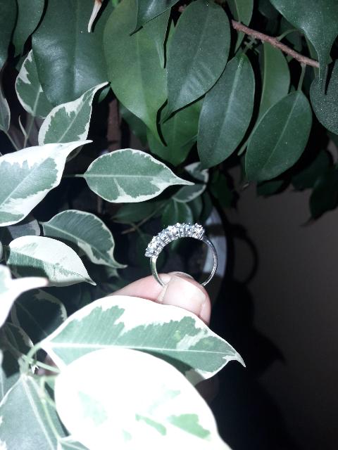 Кольцо с топазами)))
