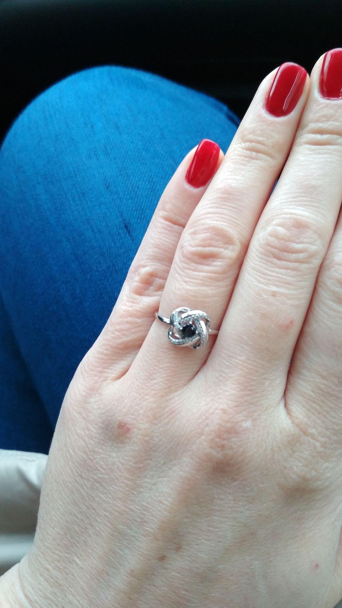 Оригинальное кольцо с сапфиром