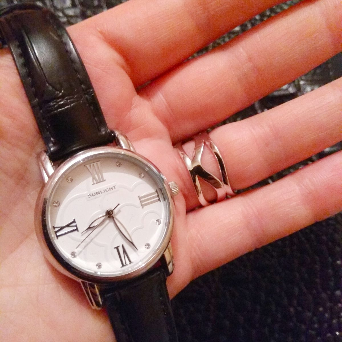 Стильные и надёжные часы