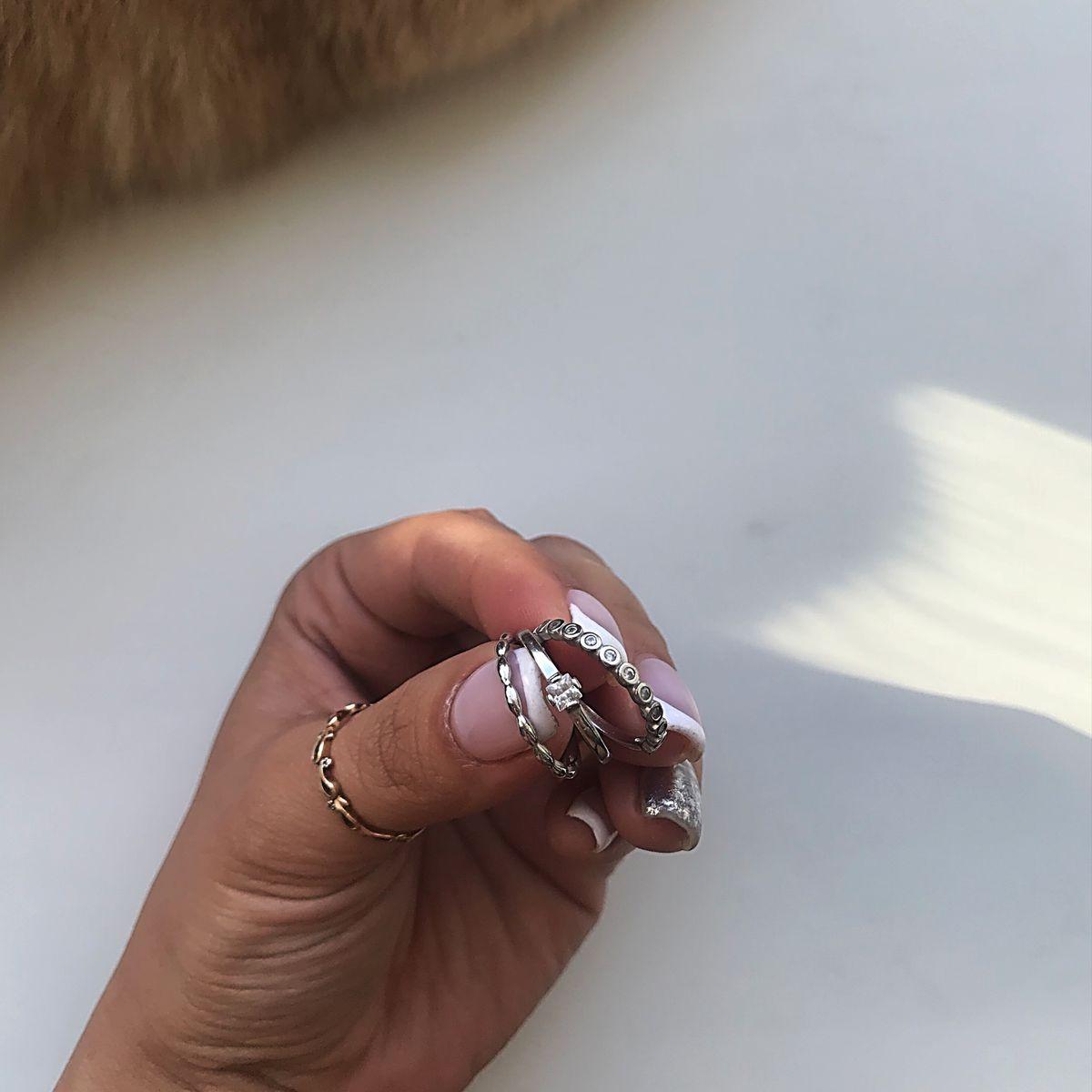 Кольца из серебра с фианитом