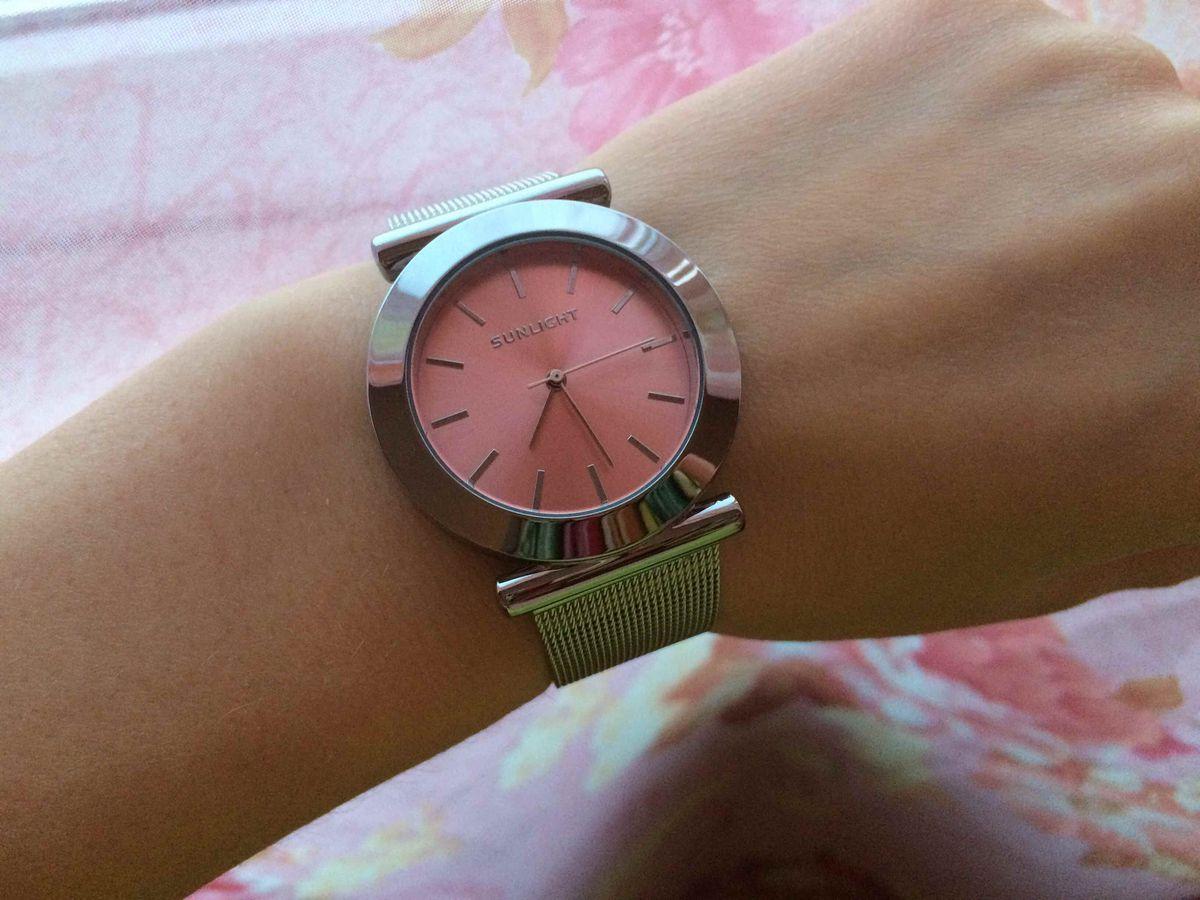 Нежные классические часы.