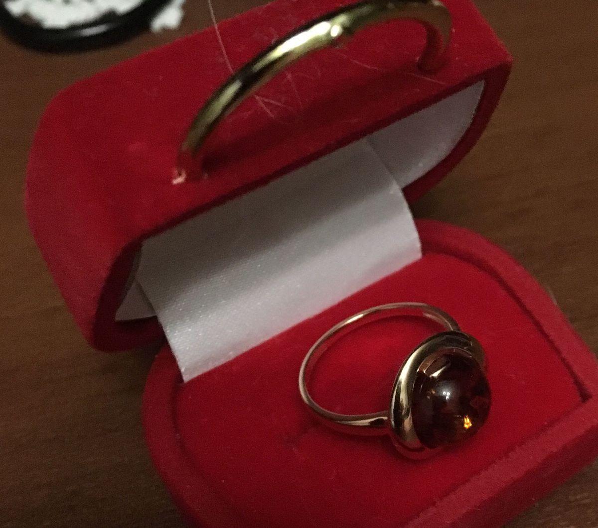 Кольцо янтарь в серебре