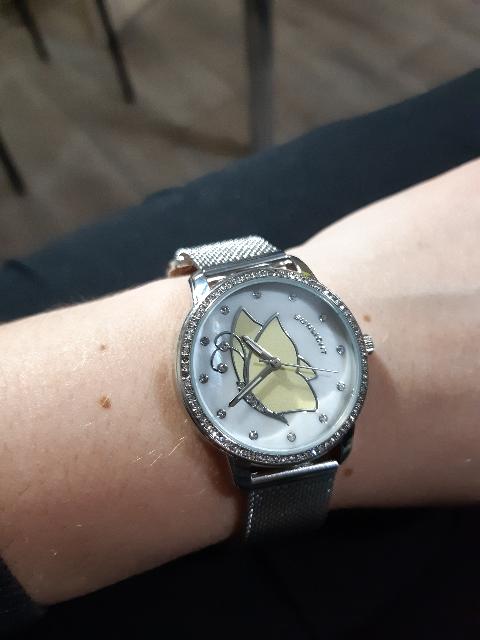 Стильные часы по доступной цене