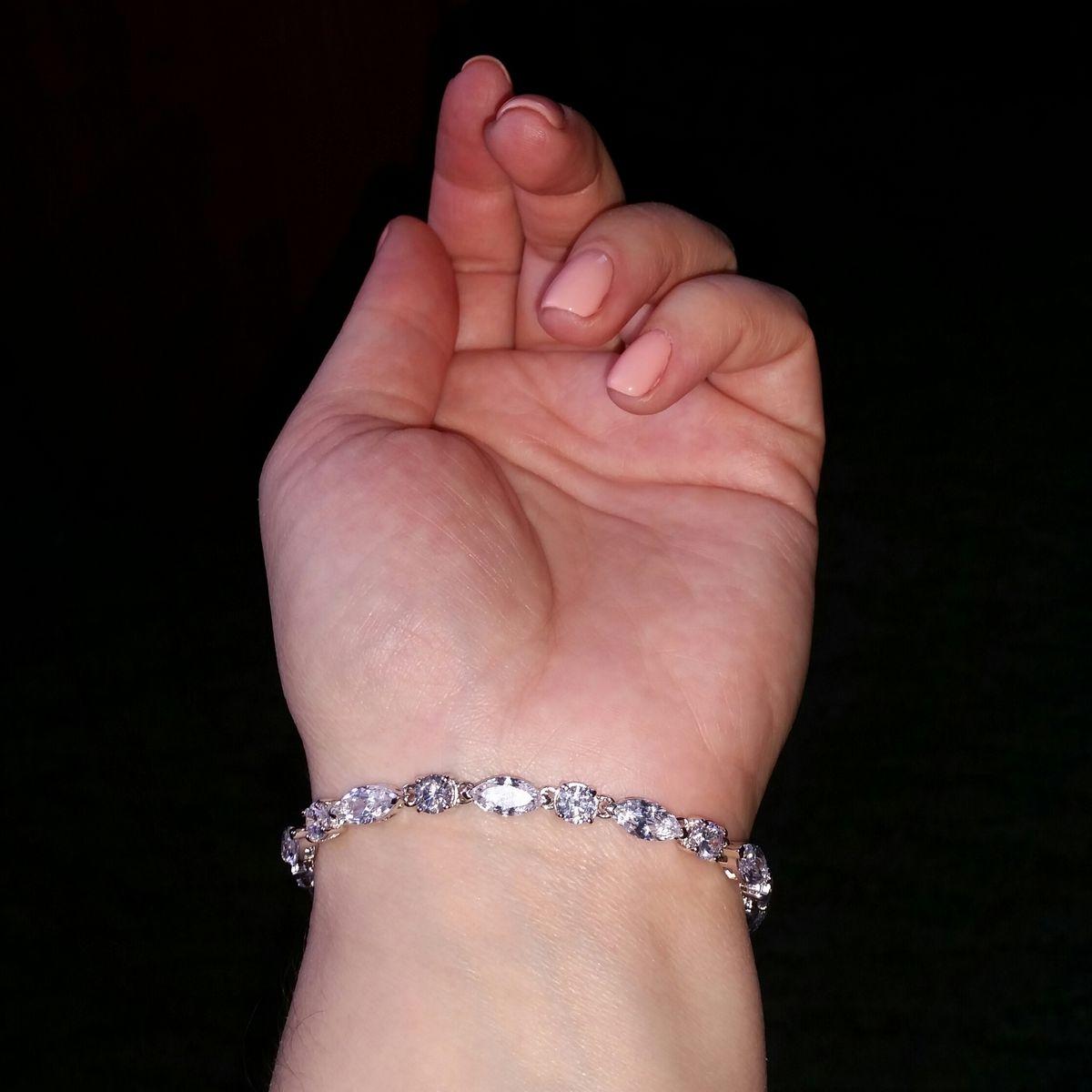 Сверкающий браслет