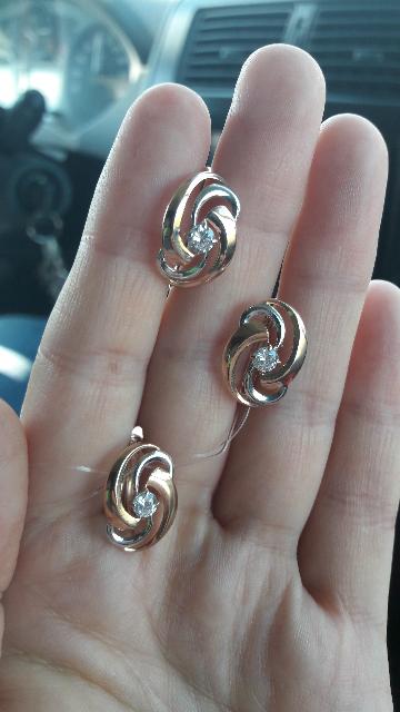 Кольцо не серебряное, а словно золотое!