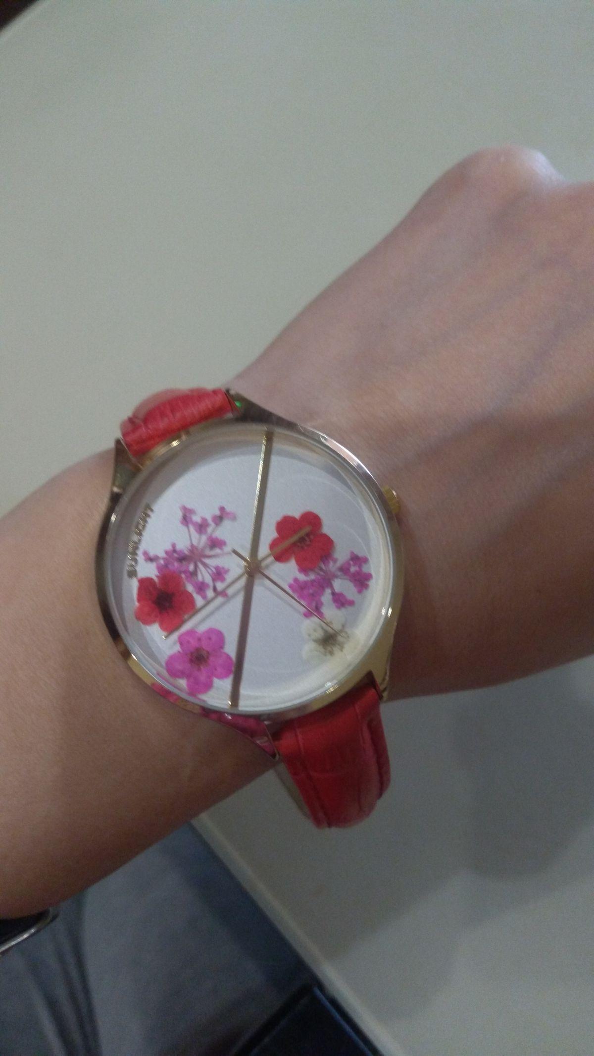 Часы с экибанкой