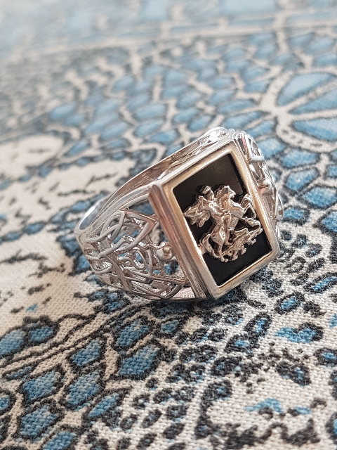 Интересное кольцо, по интересной цене)