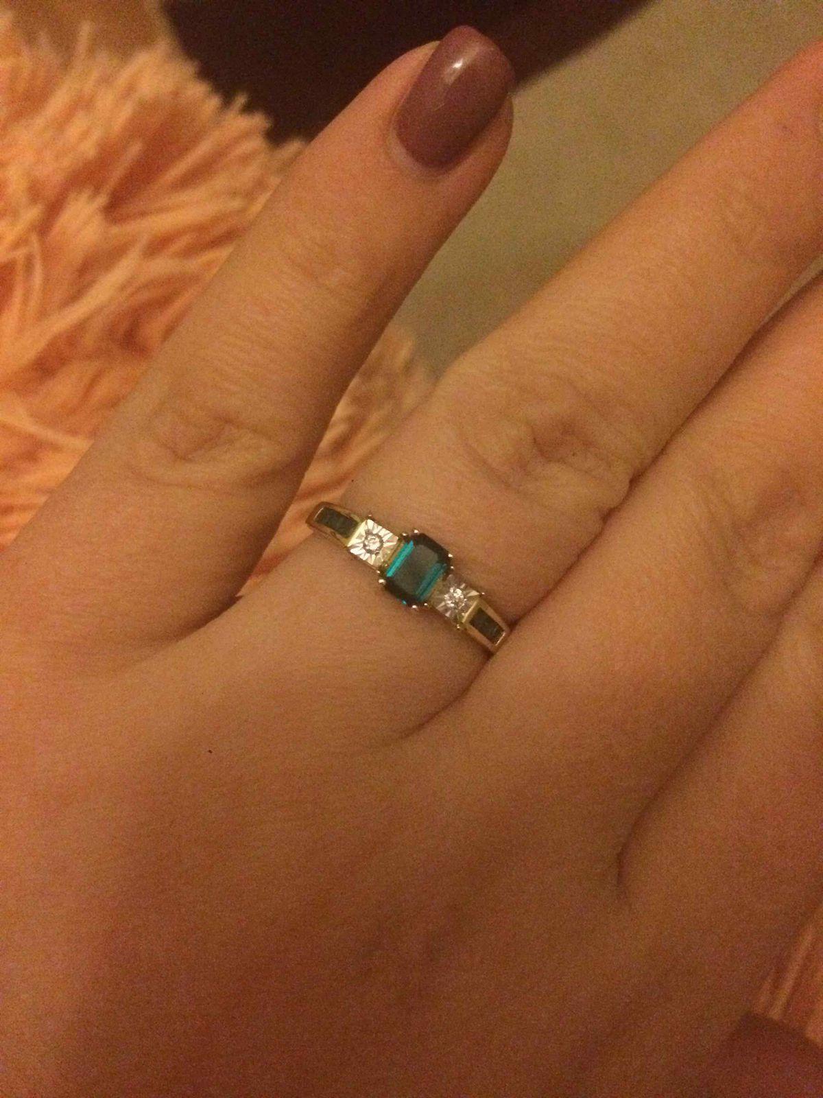 А главное это кольцо которое смотрится изумительно на пальце