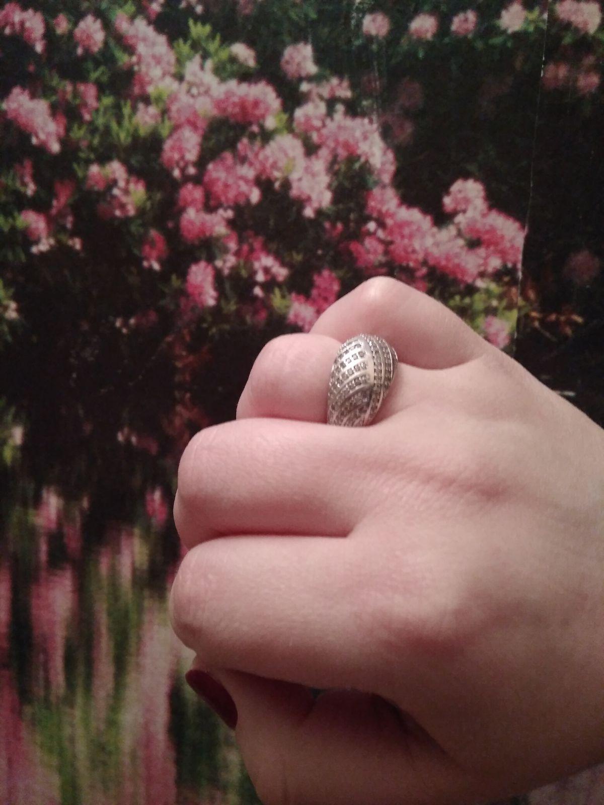 Блестящее кольцо