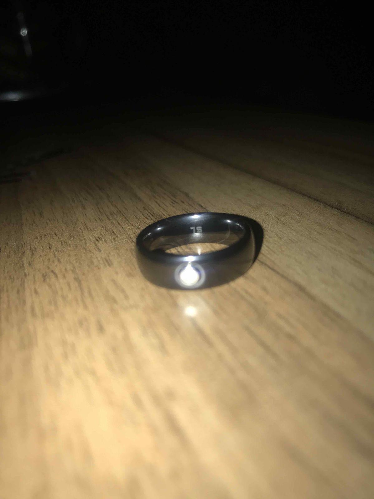 Покупкой довольна, очень красивое кольцо