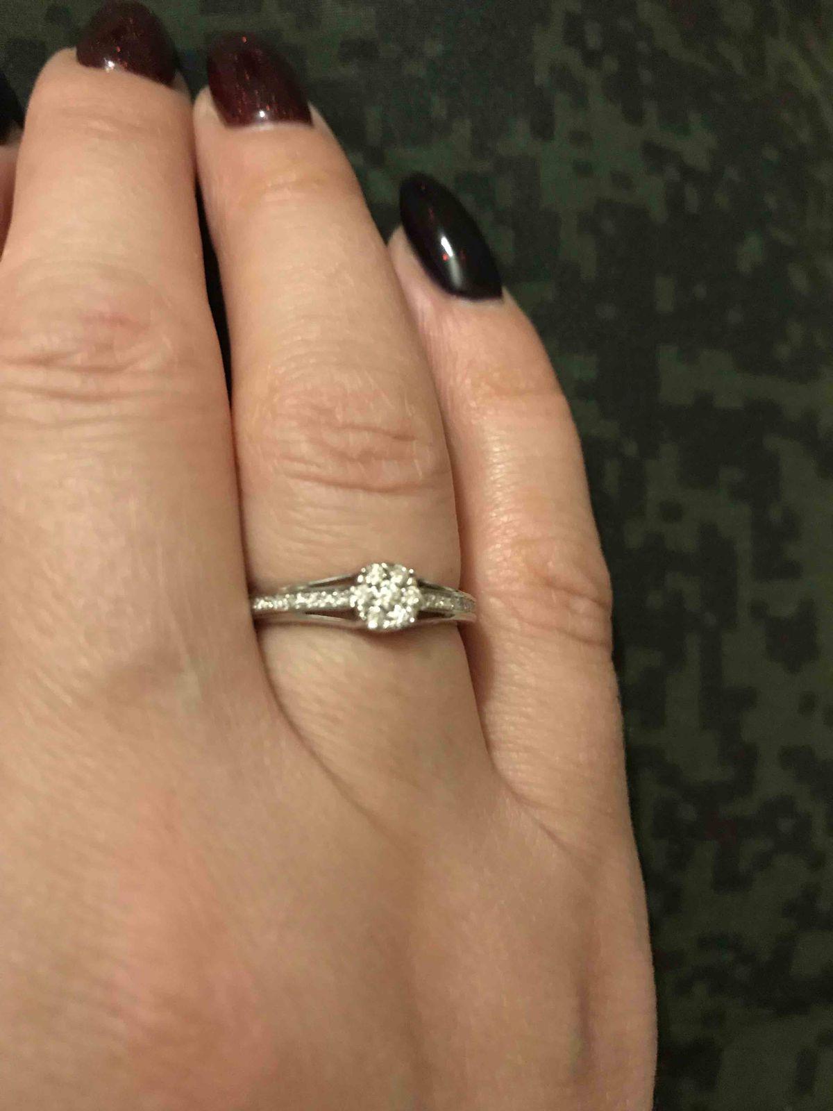 Кольцо из белого золота с брилиантами Якутии